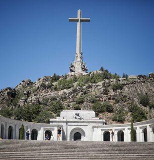 La mayoría de españoles, a favor de la exhumación de Franco