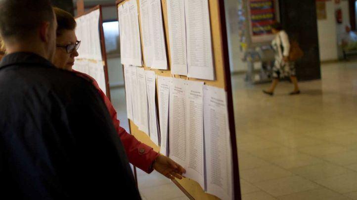 El elevado número de suspensos en las oposiciones a Secundaria en Madrid ha provocado que más de 300 plazas queden desiertas, según CCOO.