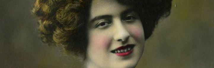 Retrato coloreado de Antoni Esplugas, conservado en el Centro de Documentación y Museu de las Artes Escénicas (MAE) de Barcelona.
