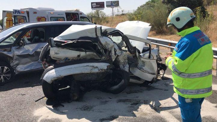 Herida en un accidente con tres vehículos implicados