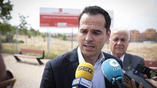 El portavoz de Ciudadanos en la Asamblea de Madrid, Ignacio Aguado, en Arroyomolinos