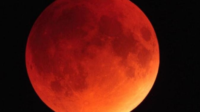 Planetas y eclipse de Luna: el Planetario saca sus telescopios