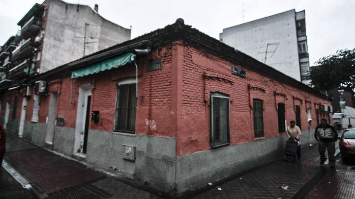Edificio de la calle Peironcely que fotografió Robert Capa en la Guerra Civil en Entrevías.