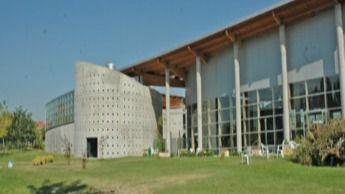 Dos centros deportivos de Barajas, cerrados por obras