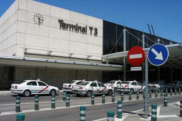 Los taxistas 'abandonan' el aeropuerto
