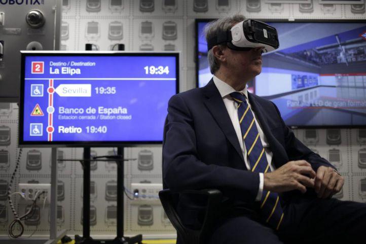 El presidente de la Comunidad de Madrid presenta el centro tecnológico de la estación 4.0 de Metro de Madrid.