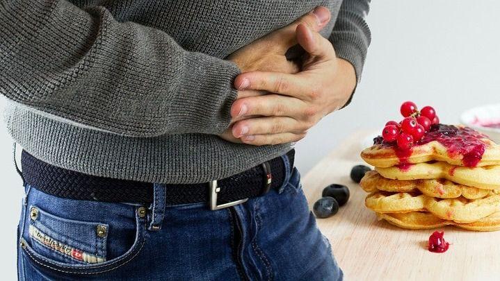 3 causas para tu dolor en la boca del estómago y espalda