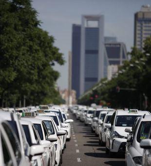 El Ayuntamiento vuelve a pedir la doble licencia para los VTC