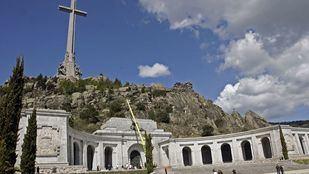 Dos centenares de militares firman una declaración en apoyo a Franco
