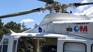 Imagen del helicóptero del Summa que ha acudido a la vivienda del fallecido.