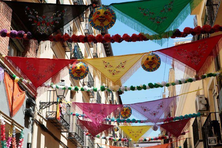 Preparativos de las fiestas de San Cayetano, en Centro.