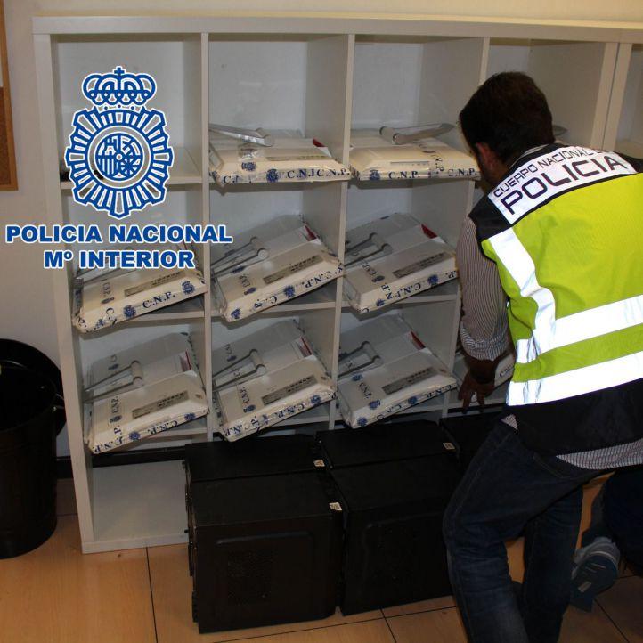 La Policía registra 19 sedes de iDental
