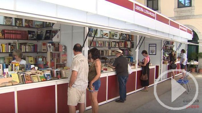 Feria del Libro Antiguo y de Ocasión en San Lorenzo de El Escorial.