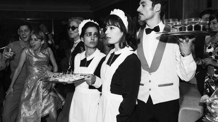 Inma Cuesta, Anna Castillo y Paco León, en un fotograma de Arde Madrid, la nueva serie de Movistar+