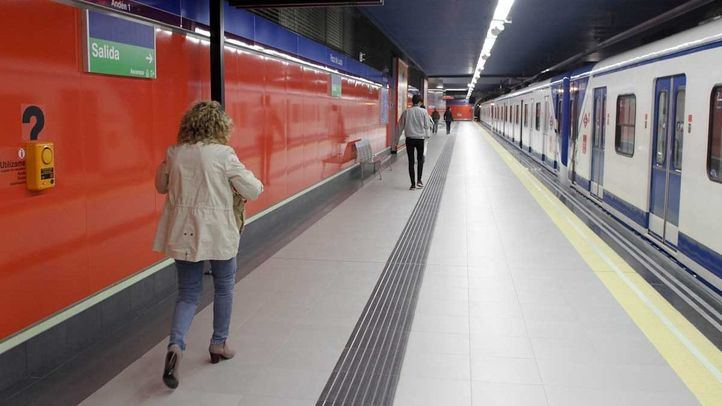 Andén de la línea 9 de Metro de Madrid.