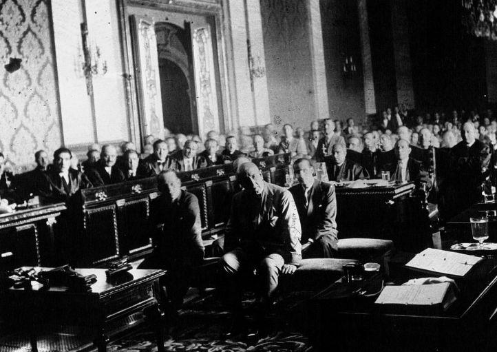 Sanjurjo y otros militares, en el juicio.