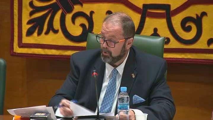 El nuevo alcalde defiende a Ruipérez y buscará un Gobierno