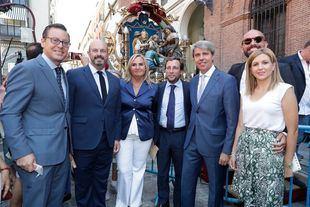 Garrido, junto a consejeros y diputados populares.