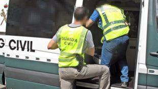 Operación antidrogas: la Guardia Civil registra Vallecas