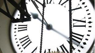 ENCUESTA   Cambio de hora: ¿sí o no?