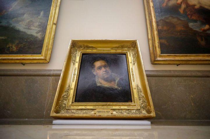 Grietas en obras y lienzos en el suelo de la Real Academia de Bellas Artes