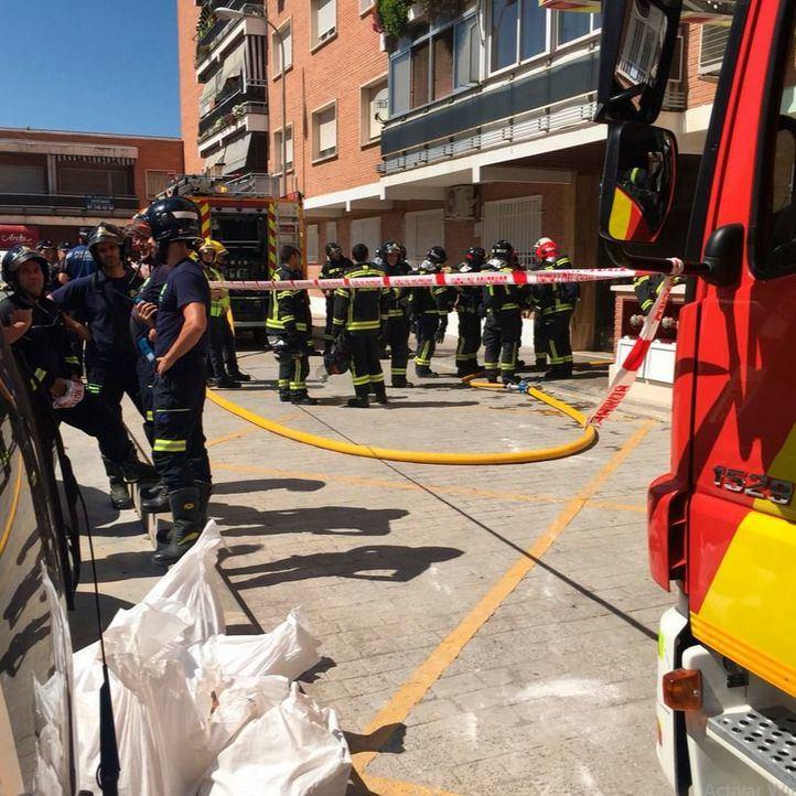 Aparatoso incendio sin heridos en Hortaleza
