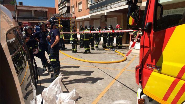 Los bomberos han trabajado durante tres horas para sofocar el fuego, que no ha dejado heridos
