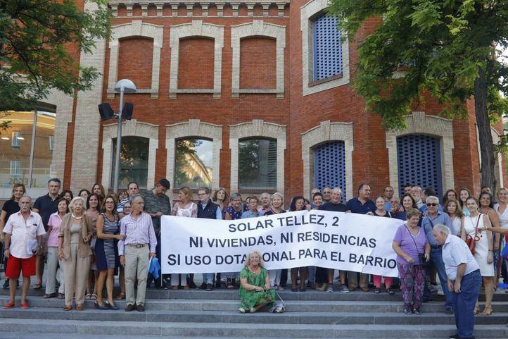 Vecinos en contra del edificio cooperativo en el solar de Téllez 2.