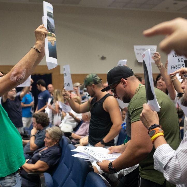 Jaleo en Arganzuela entre defensores y detractores de Arce