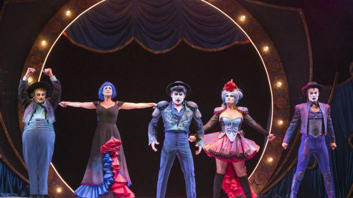 The Opera Locos: Yllana toca el bel canto