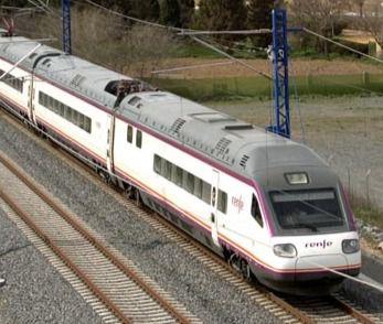 Un tren híbrido Murcia-Madrid reducirá media hora de viaje