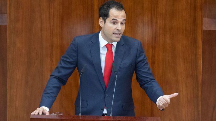 Aguado acusa al PSOE