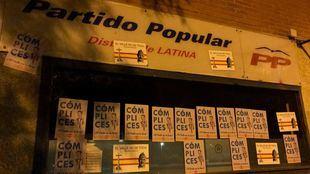Acusaciones de 'cómplices' en la sede del PP de Latina tras la aprobación en el Congreso del decreto para exhumar los restos de Franco del Valle de los Caídos
