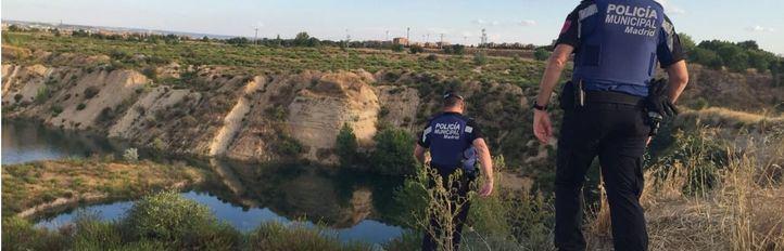 Buscan a un joven desaparecido en una laguna de Vicálvaro