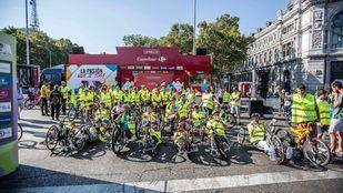 Participantes en la Carrera Inclusiva promovida durante el último tramo de la Vuelta Ciclista a España 2018 por Ecovidrio