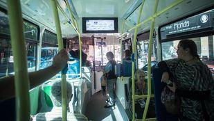 Interior de un autobús de la EMT.