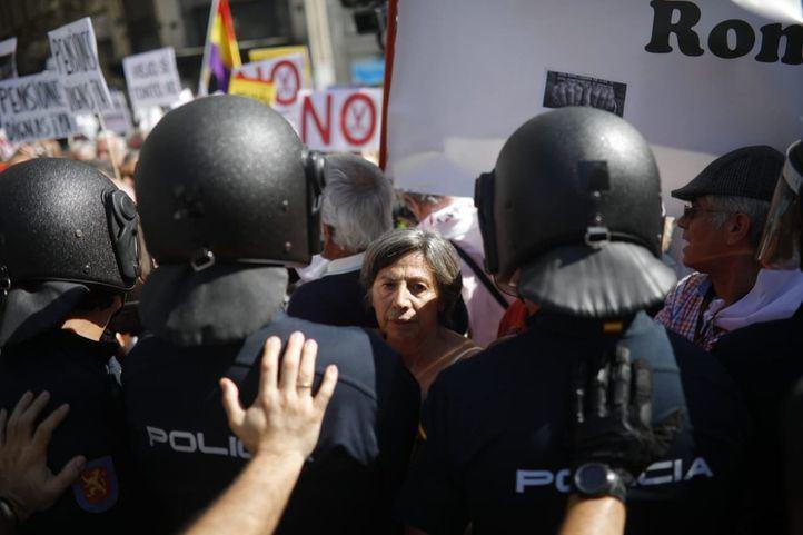Tensión entre los pensionistas y la Policía en el Congreso