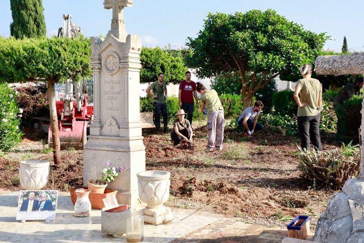 Fosa común en el cementerio de Marratxí, Baleares.