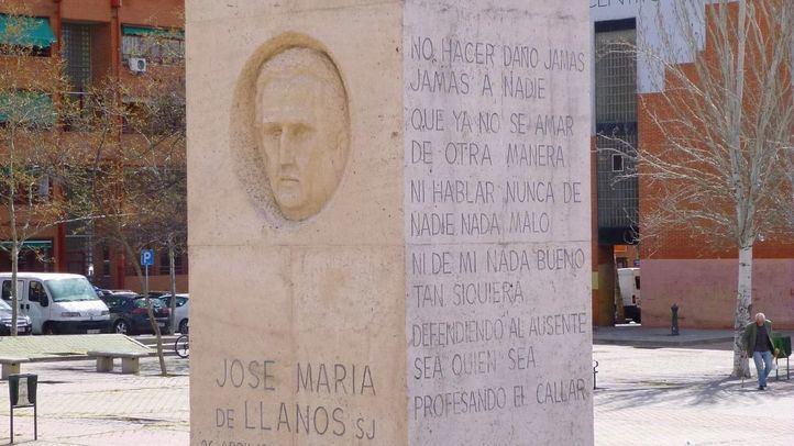 Monumento al Padre Llanos en el barrio del Pozo del Tio Raimundo, en el Distrito del Puente de Vallecas