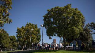 Vallecas homenajea al obispo Alberto Iniesta con un jardín