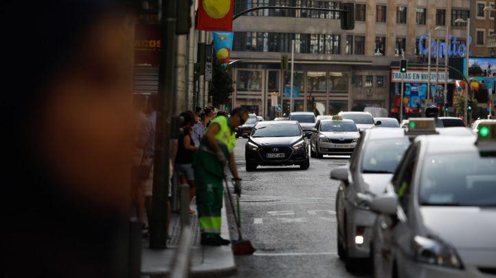 El taxi denuncia a Cabify y Uber por ofrecer gratis sus servicios