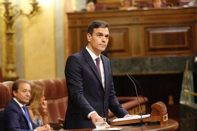 CIS: el PSOE sacaría 10 puntos al PP de Casado, segundo