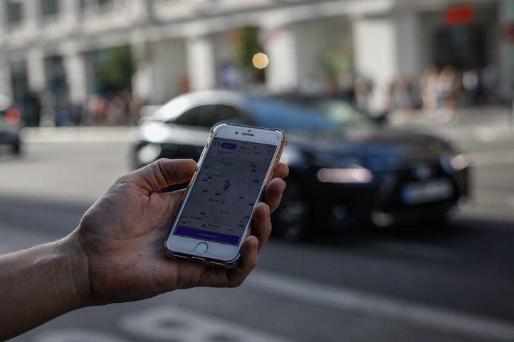 Uber multiplica por diez su servicio en la jornada gratuita