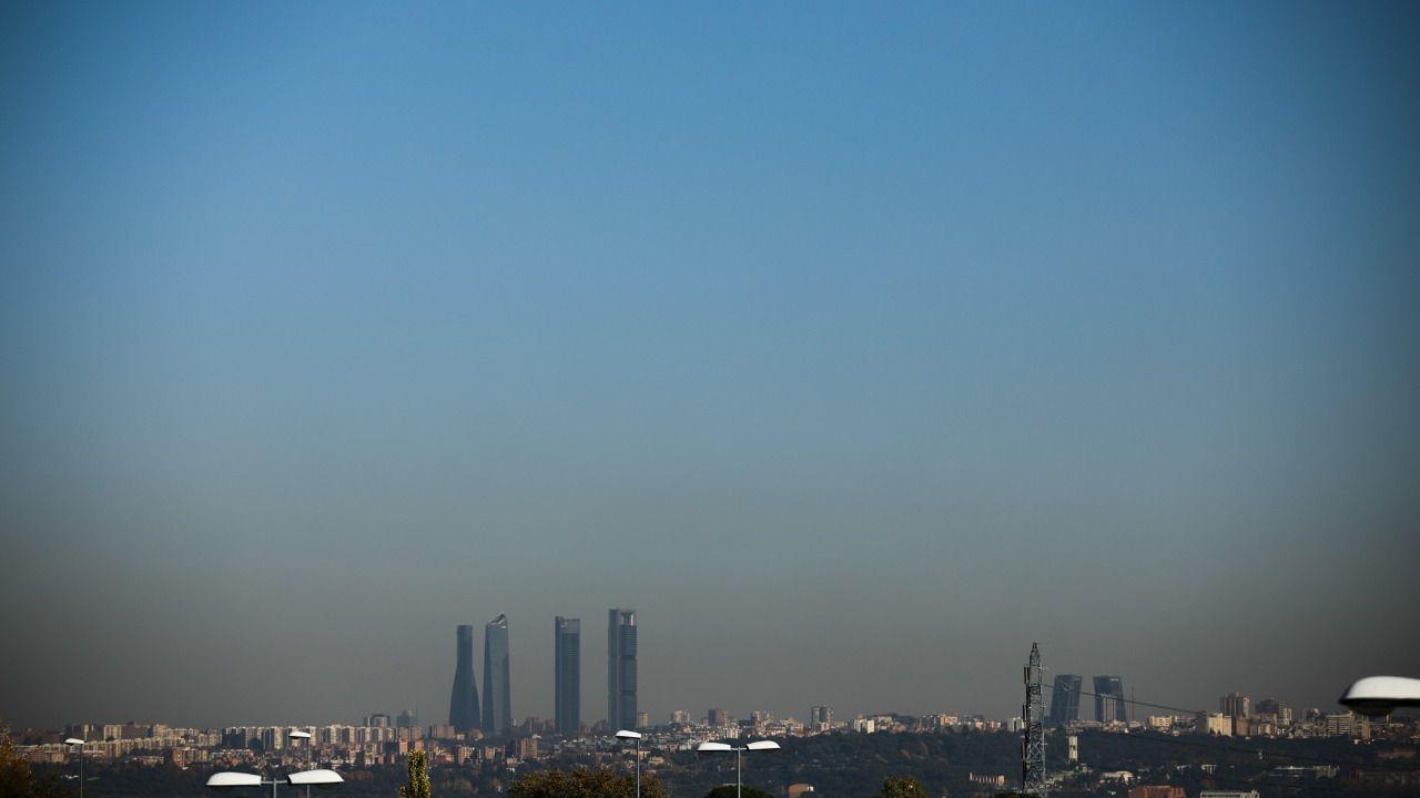 Se endurecen las restricciones al tráfico en episodios de alta  contaminación  7cd0772f4db