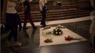 Franco será enterrado en La Almudena si es exhumado del Valle