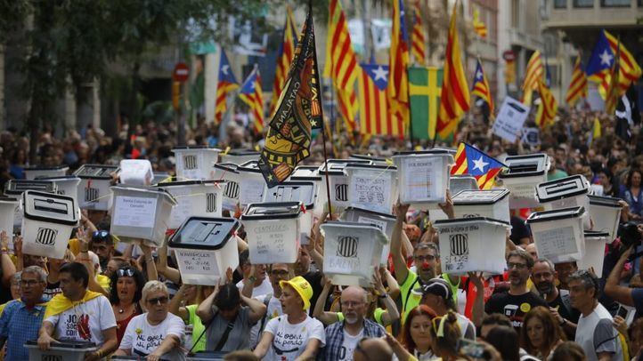 Manifestación en Barcelona por el aniversario del 1-O