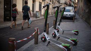 Adiós al vacío legal: los patinetes ya tienen normas para circular por Madrid