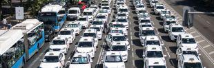 La Gremial de Auto-Taxi Madrid cuelga el cartel de 'Se vende'
