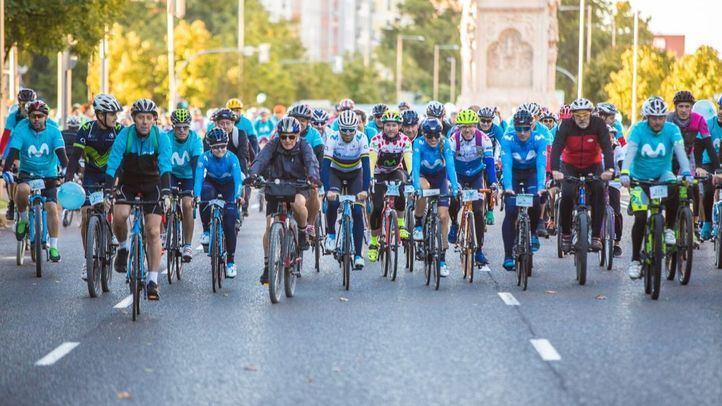 Alejandro Valverde participa en la Fiesta de la Bici en Madrid