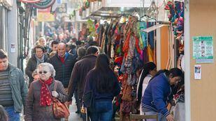 El Ayuntamiento plantea ampliar el horario de los mercadillos ambulantes